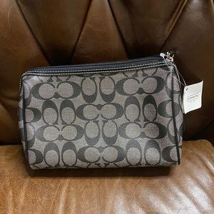 Coach New with tags cosmetic Bag. Black and Gray